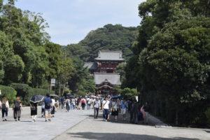 鶴岡八幡宮入口