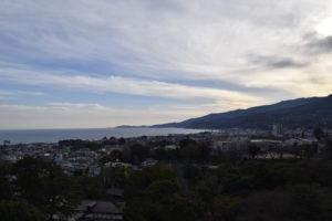 小田原城から海を臨む