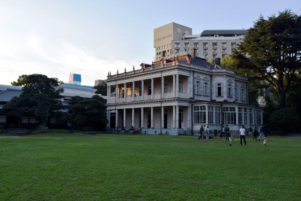 お庭から見た旧岩崎邸