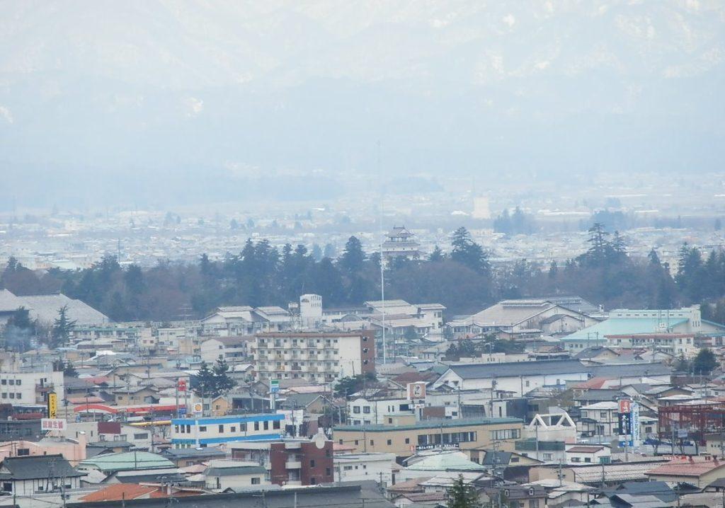 飯盛山から見る会津若松城