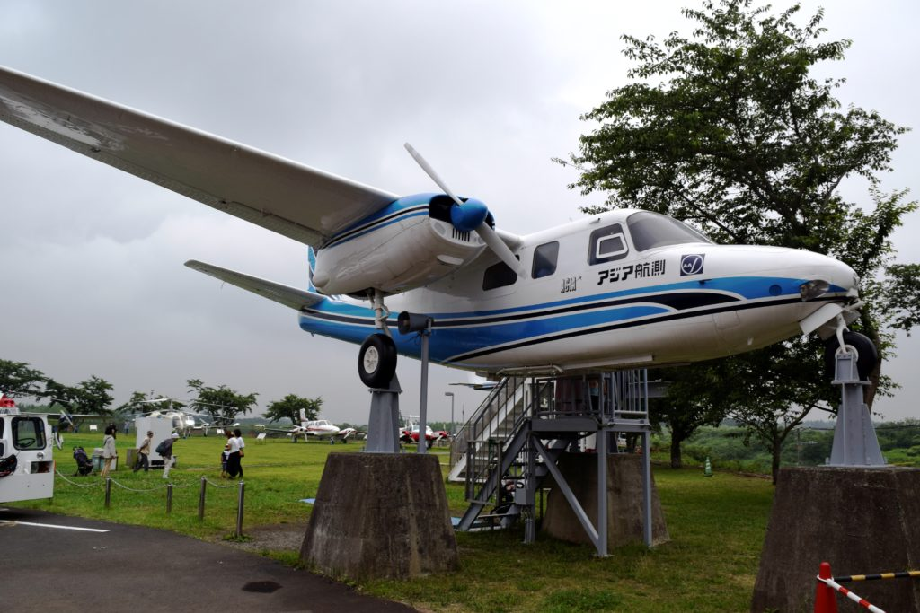 屋外展示の飛行機